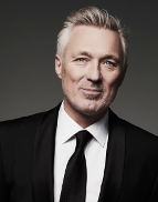 Spend the evening with heart throb Martin Kemp – bassist for the legendary 80s band Spandau Ballet, star of Hollywood films and ex-EastEnders bad boy.Martin will reminisce with the audience about his younger, wild days in one of the world's most famous pop groups; his award winning TV career; and his 19 year marriage to Shirlie Holliman (of Pepsi and Shirley).